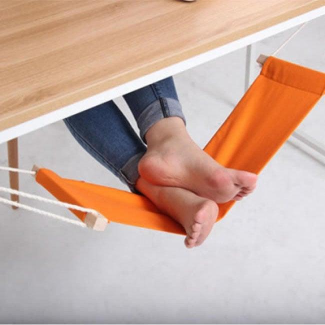 A_hammock_for_your_feet.jpg